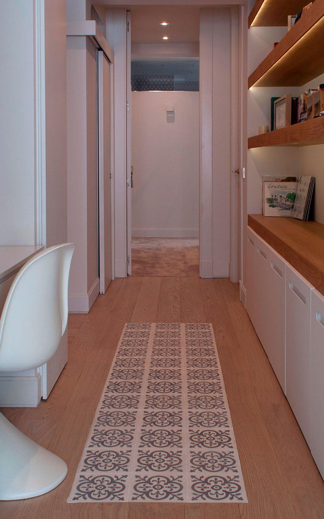 Suelo de madera y alfombra de hidráulico