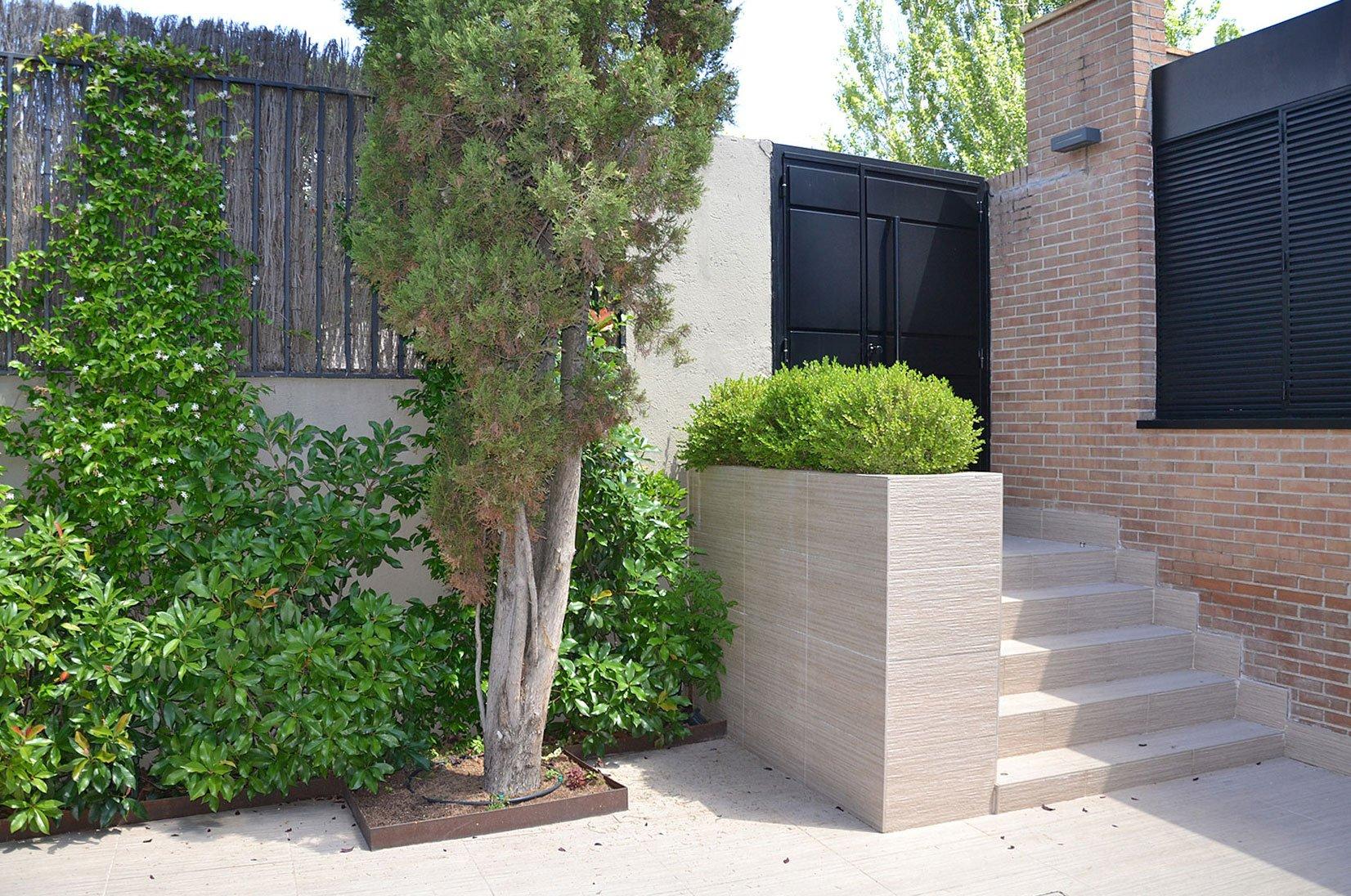 Jardín de entrada a vivienda