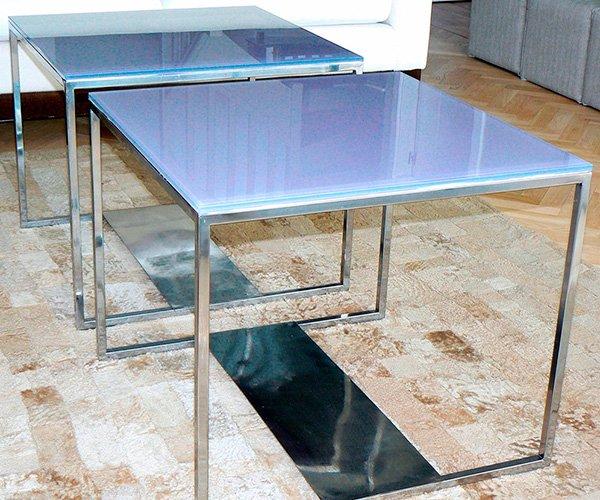 Mesa en chapa y cristal